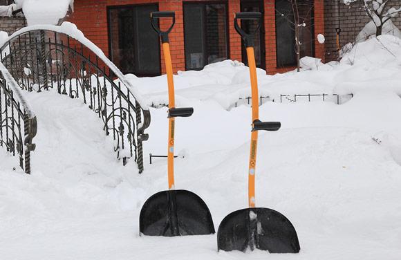 Top Shop Tornadica Winter Shovel